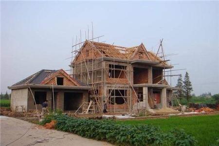 在農村蓋房子還需符合當地政策標準